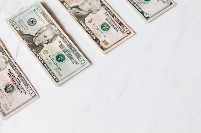 PwCコンサルティングの年収は30歳で1000万円超え?リアルな実態を徹底解説