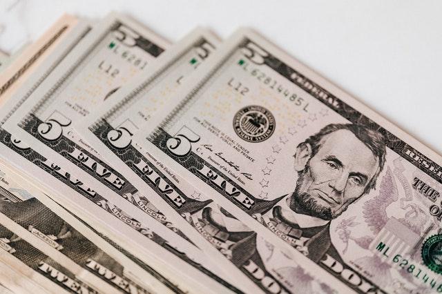 ベイン・アンド・カンパニーの高額年収!30歳で2000万円も可能?